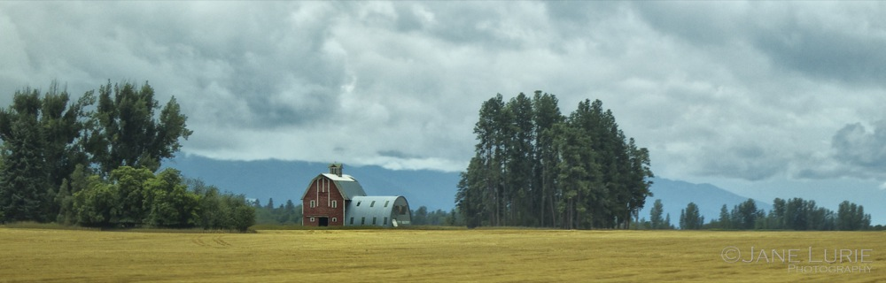 Big Red Barn, Montana
