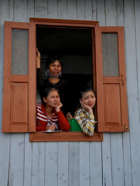 Window Watch, Halong Bay